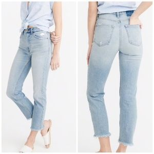 Abercrombie & Fitch High Rise Zoe Ankle Jeans 24